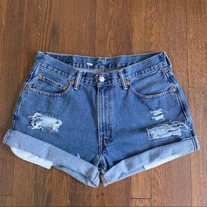 Vintage Levi's 550 High Rise Distressed Shorts 31